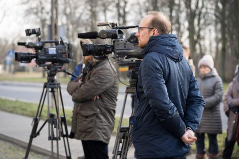Reportaż prasowy - lokalna rocznica wypędzeń mieszkańców osiedla im.Montwiłła Mireckiego